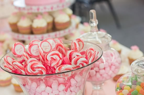 Be it ice cream, toffee popcorn or marshmallows, find a way to incorporate it into your big day.