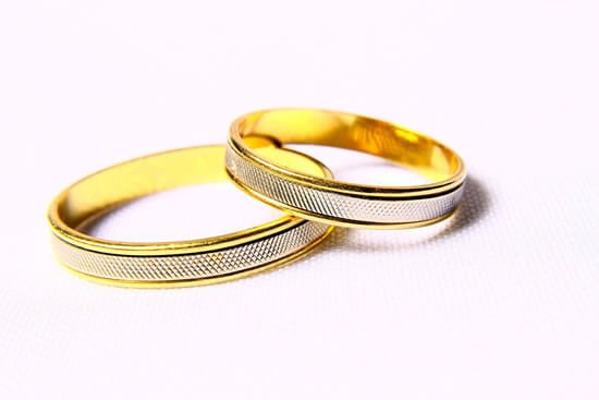 When your marriage is scheduled ahead, the most daunting task, which you have to perform, is the selection of a wedding band.