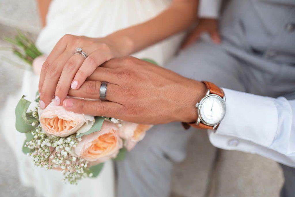 4 Luxurious Wedding Invitations From Basic Invite