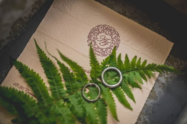 How Greenery Can Step Up Your Wedding Design