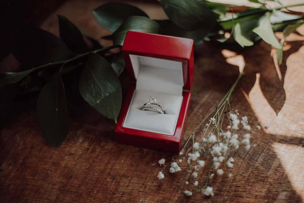 5 Shopping Tips for Finding The Perfect Engagement Ring